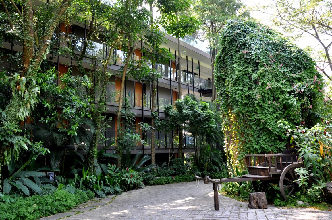 Building at Siloso Beach Eco Resort on Sentosa, Singapore