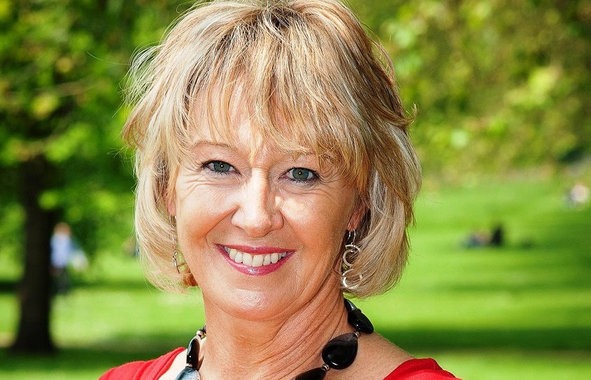 Interview Fiona Jeffery, Just a Drop