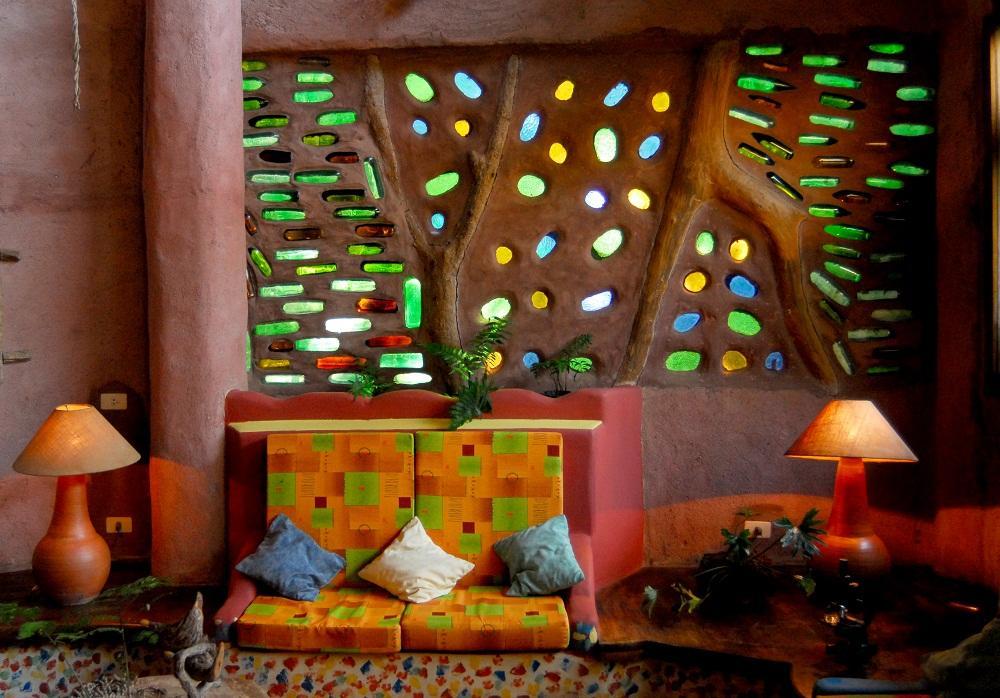 Arquitectura organica en la entrada del Yacutinga Lodge, Argentina