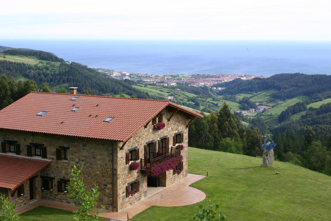 Lurdeia panoramica Agroturismo Pais Vasco