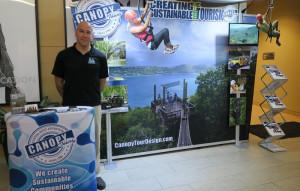 Bradd Morse Canopy Display Booth - Conferencia de Turismo Sostenible