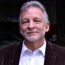 Entrevista: Eduard Müller, Fundador de la Universidad para la Cooperación Internacional