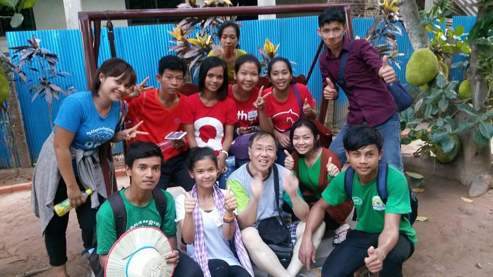 Alan Wong con alumnos, Universidad Politecnica de Hong Kong